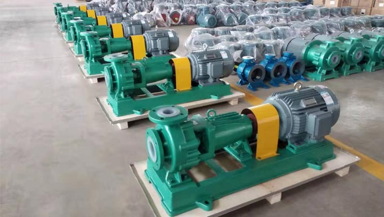 South African customers buy back 7 large PTFE lined centrifugal pumps